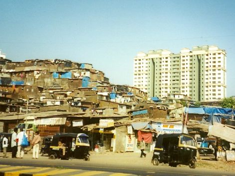 India-Mumbai-ENH-slums-next-to-high-rise-flats-buggies-1-NC.jpg