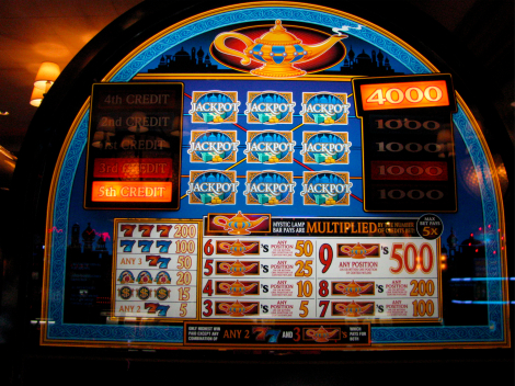 Mystic Lamp slot machine 1.jpg