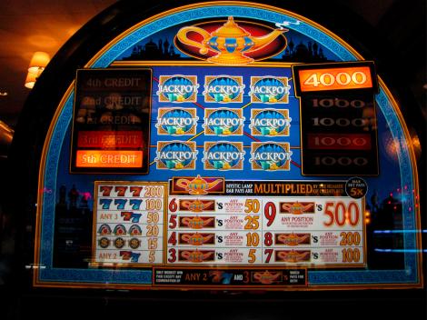 Mystic Lamp slot machine 1.jpg